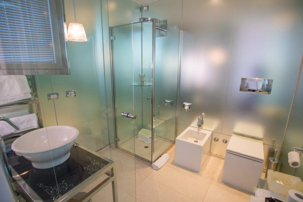 Salle de bains chambre double iDesign San Marino