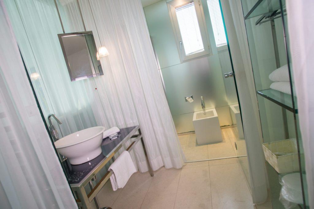 Bathroom double room iDesign San Marino
