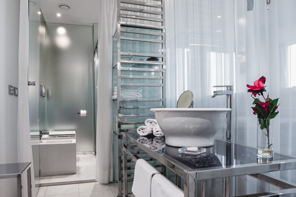 Bathroom Suite Hotel iDesign