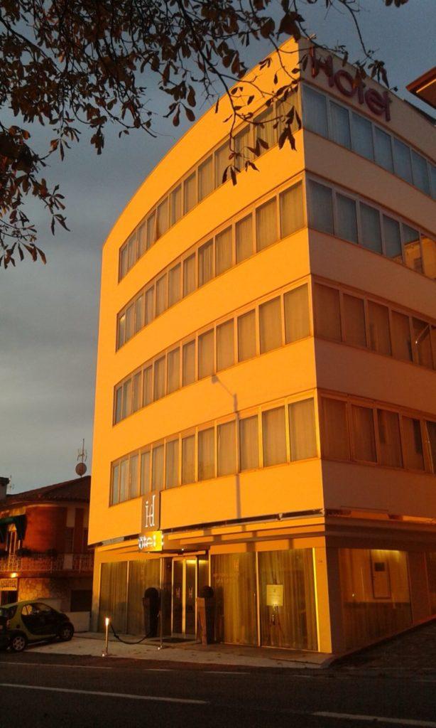 Eingang Hotel San Marino Idesign