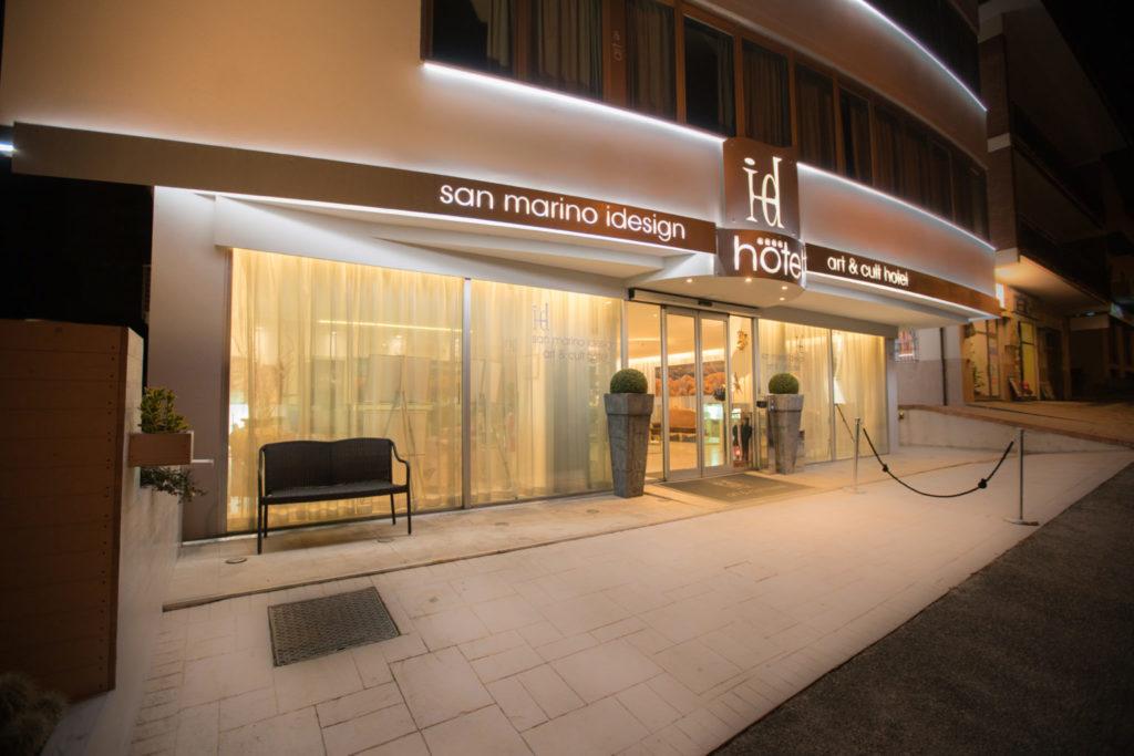 Vue nocturne Hotel Idesign San Marino