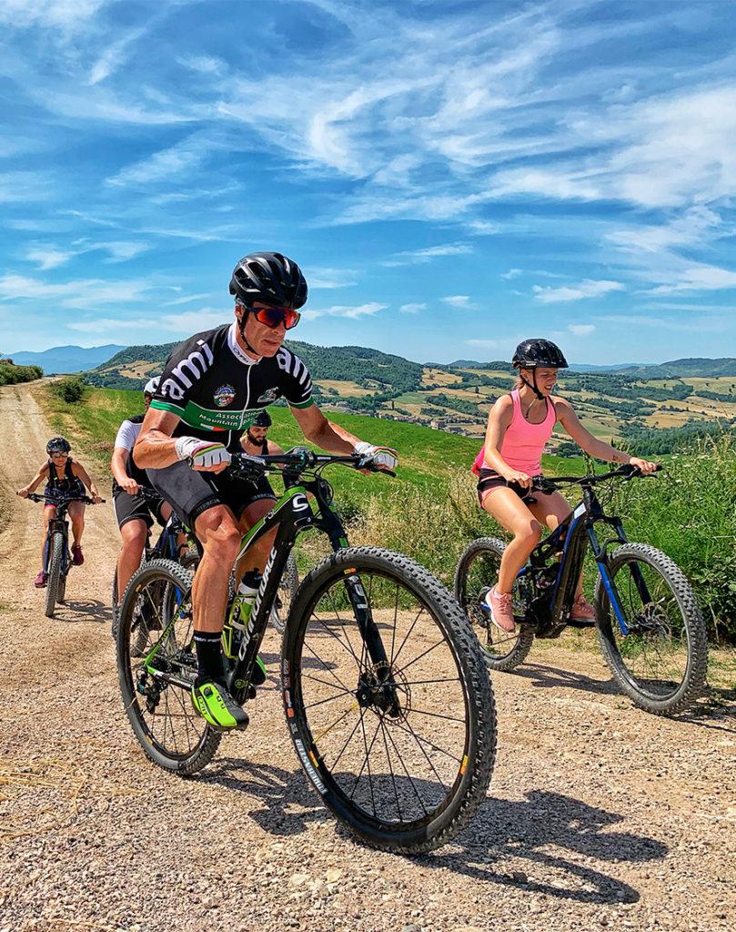 ciclisti in mountainbike San marino